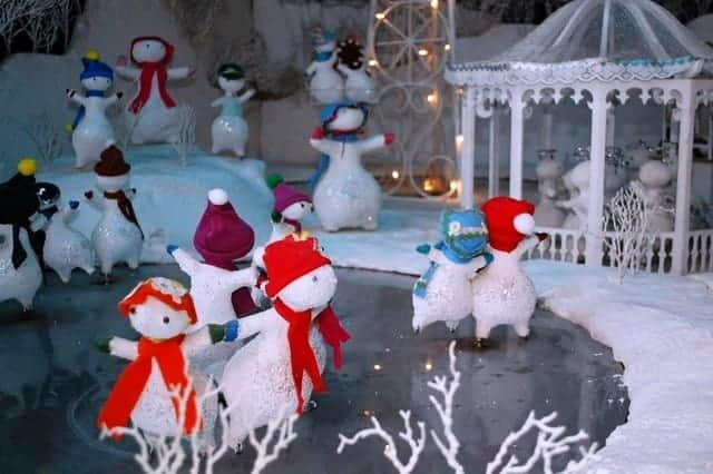 Dancing snowmen in Eatons Once Upon a Christmas exhibit